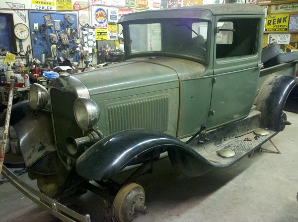 1930 Closed Cab PU